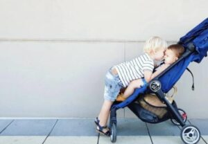 how to choose the best light compact strollers
