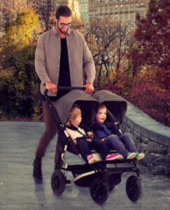 twin stroller with bassinet design